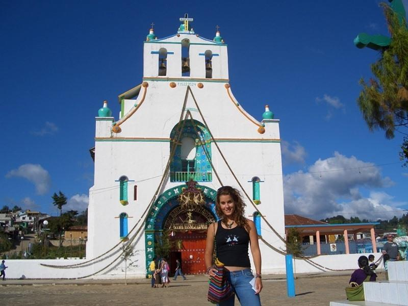 Volunteers in a local town during her travels with Projects Abroad in Mexico