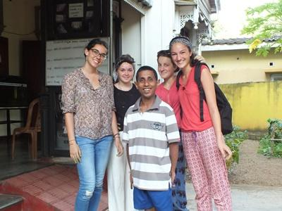 High school volunteers in Sri Lanka