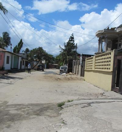 Photograph of a street view in Dar es Salaam, Africa