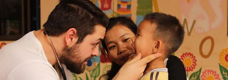 Wolontariat medyczny za granicą. Pomóż lokalnej społeczności i sprawdź czy chcesz być lekarzem